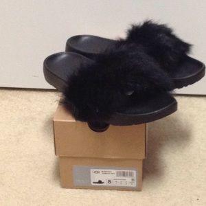 NWT Ugg 8m Royale fur slide